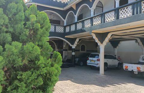 8 BEDROOMS HOUSE FOR SALE IN NYALI, MOMBASA-KENYA